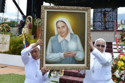 Los venezolanos gritan por la libertad en la beatificación de la madre Carmen Rendiles