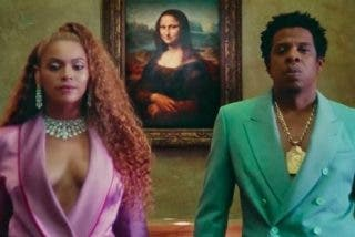 Beyoncé y Jay-Z aparecen por sorpresa en el Louvre y sus fans lo flipan