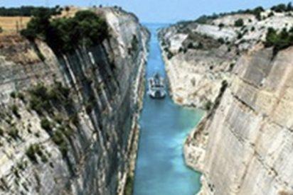 Este es el canal más estrecho del mundo por el que pasan miles de buques cada año