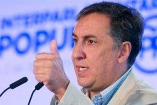 """José Ramón García-Hernández, el """"candidato de la militancia"""", se postula para presidir el PP"""