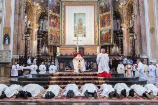 """Cañizares pide a los nuevos sacerdotes privilegiar a los más pobres """"porque es la evangelización auténtica"""""""