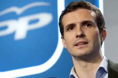 ¿Quién mueve los hilos de la campaña puesta en marcha contra Pablo Casado?