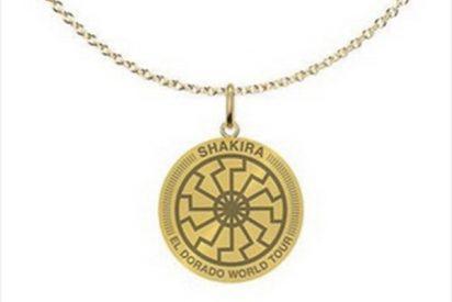Le llueven las críticas a Shakira por vender este collar que evoca un símbolo nazi