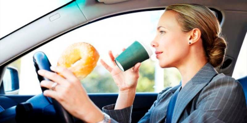¿Sabías que la comida en los lugares de trabajo suele tener altas cantidades de sodio y poca fruta?