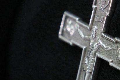 """El Vaticano aparta a un cura chileno por denuncias """"verosímiles"""" de abuso sexual"""