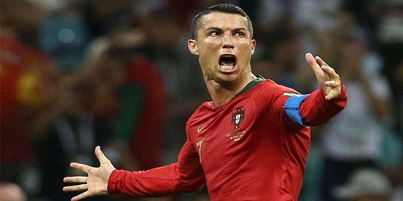 Un triplete de Cristiano Ronaldo amarga el debut de España en el Mundial (3-3)
