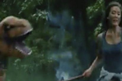 Esto pasa cuando Parque Jurásico se fusiona con el Parkour