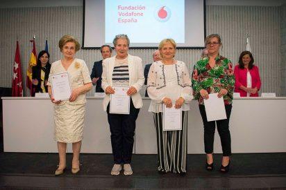 Vniversitas Senioribvs CEU y Fundación Vodafone España clausuran el curso