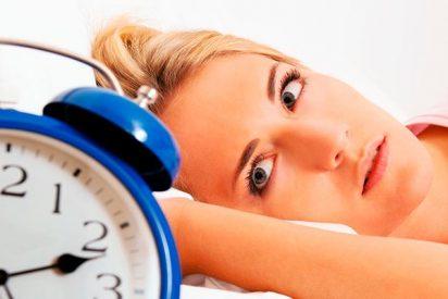 Descubren que incluso los problemas leves de sueño pueden elevar la presión arterial de las mujeres