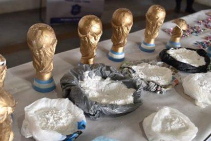 Cae en Argentina una banda de 'narcos' que traficaba droga en réplicas de la Copa del Mundo