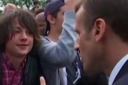 """El adolescente que fue reprimido por Macron está """"abatido"""" y """"se ha encerrado en casa"""""""