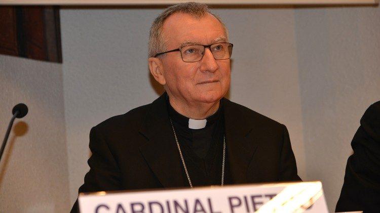 "Parolin pide a Italia ""sensibilidad humanitaria"" tras su negativa a acoger el Aquarius"
