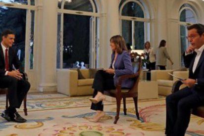 Cachondeo en las redes con esta imagen de la entrevista-masaje de Sánchez en TVE