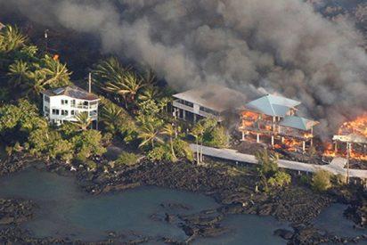 Así 'se traga' la lava vecindarios completos de la Isla Grande de Hawái