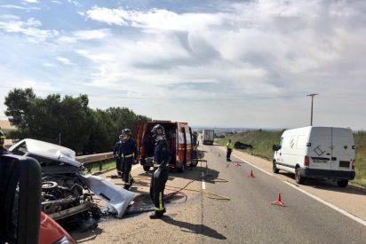 Un fallecido y un herido en el choque de dos turismos en la A-6