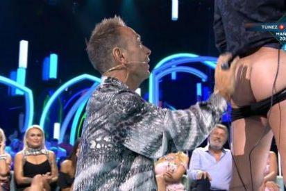 Jorge Javier Vázquez se deja 'leer el culo' en directo y el resultado le deja perplejo: su final en TV está cerca