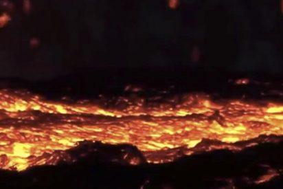 Impresionantes imágenes de la lava avanzando por las calles de Hawái