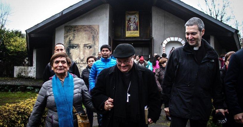 """Bertomeu anuncia que habrá """"reparaciones económicas"""" a las víctimas de abusos en Chile"""