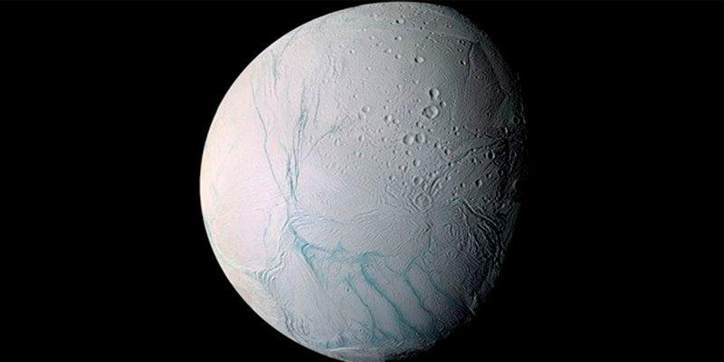 Descubren moléculas orgánicas complejas en la luna Encélado