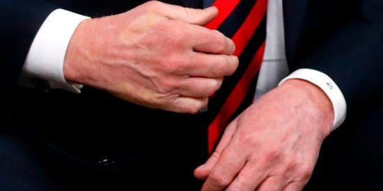Macron casi le destroza la mano a Trump tras este fuerte apretón en la cumbre del G7