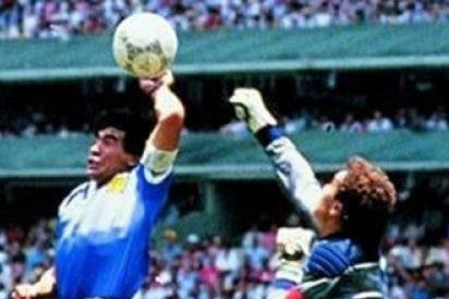 """¿Sabes cómo habría afectado el VAR a la """"mano de dios"""" de Maradona y el resultado de los mundiales?"""
