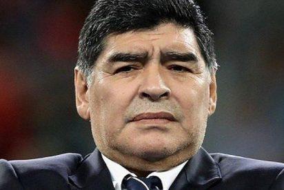 """Maradona arremete contra Sampaoli: """"Jugando así, no puede volver a Argentina"""""""