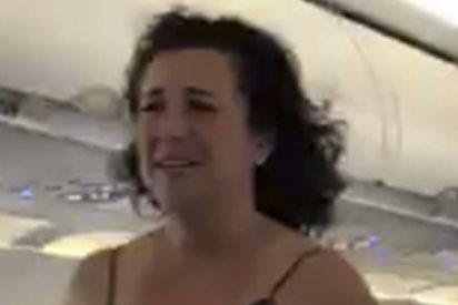 Esta veterana de guerra americana sufre una peligrosa crisis histérica en pleno vuelo