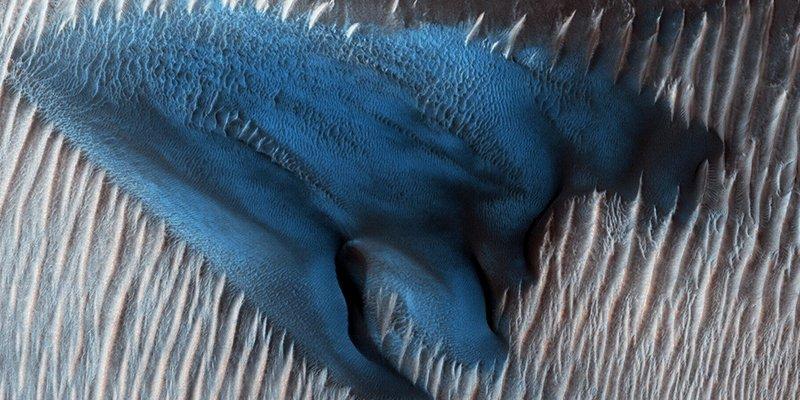 Esta nueva fotografía realizada por la NASA demuestra que Marte es mucho más que un planeta rojo