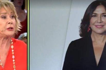 Mila Ximénez deja a Isabel Gemio con el culo al aire