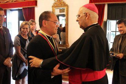 """Monseñor Mario Moronta: """"La UCAT está llamada a ser un icono de esperanza"""""""