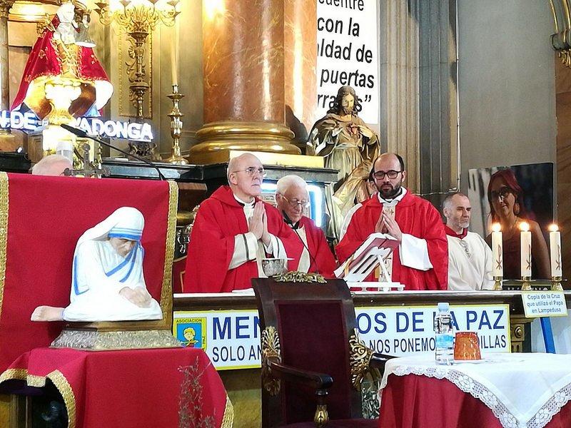 Mensajeros de la Paz organiza un encuentro internacional de iglesias 'hospital de campaña'