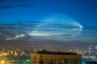 Graban este insólito fenómeno celeste que algunos creen es un OVNI