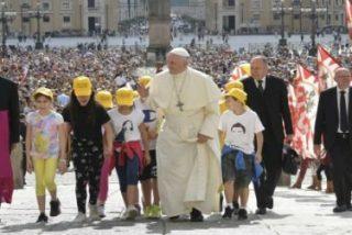 """El Papa pide que el Campeonato mundial de fútbol favorezca """"la solidaridad y la paz entre las naciones"""""""