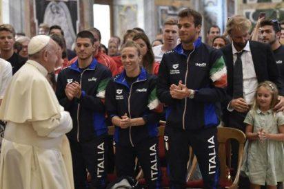 """Francisco pide a los deportistas ser """"buenos ejemplos de los valores humanos y sociales"""""""