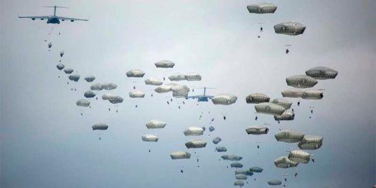 Fuerzas Armadas: 13 paracaidistas españoles y estadounidenses resultan heridos en unas maniobras militares en Zaragoza