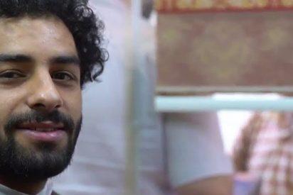 Este joven con un asombroso parecido a Salah se pasea por las calles de Irak