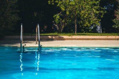 Fallece un hombre tras lanzarse a una piscina de Alicante con poca agua