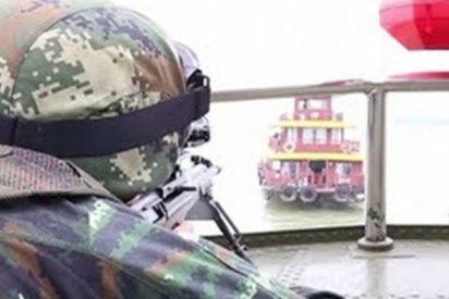 Así simula la Policía Armada Popular el rescate de un barco secuestrado