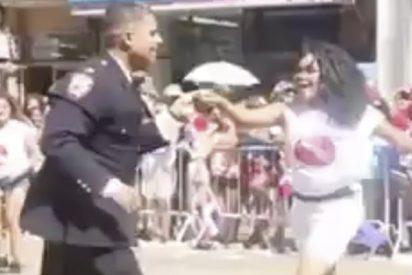 El policía salsero que lo peta en Facebook