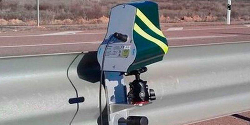 ¿Sabes dónde están colocados los 58 'miniradares' de la DGT que fríen a multas por toda España?