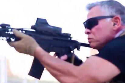 El rey de Jordania hace 'a lo Rambo' unas prácticas militares con su hijo