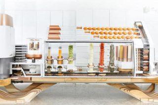 Así es el robot capaz de hacer 100 hamburguesas con queso a la hora y de gestionar un restaurante
