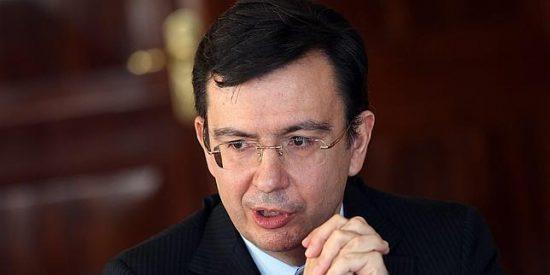 Más vale pájaro (o banco) en mano, que un ministerio volando: el drama económico de Román Escolano