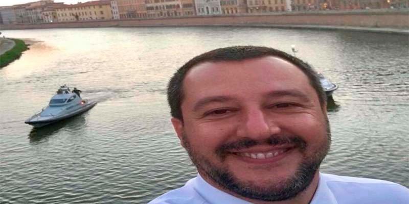 "Matteo Salvini: ""¡No os preocupéis, los barcos que veis no llevan ilegales!"""