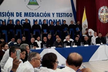 Los obispos se reúnen con Ortega para decidir si reabren la mesa de diálogo