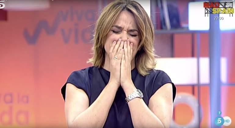 Toñi Moreno y el 'despiste': Cuenta como besó a su primer chico a la vez que el confiesa su amor a Almudena Cid