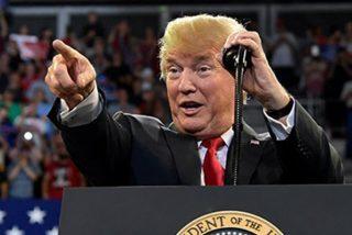 Trump se descojona de un manifestante durante un evento público