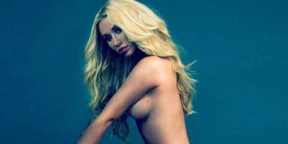 La cantante Iggy Azalea se desnuda completamente para publicitar zapatos