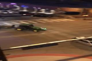 Roba un tractor y protagoniza una ridícula persecución a lo 'GTA' con la Policía en EE.UU.