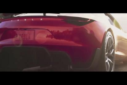 Tesla presenta este impresionante vehículo eléctricodescapotable
